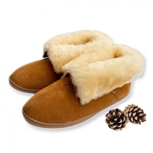 Minnetonka Women's Sheepskin Ankle Boot